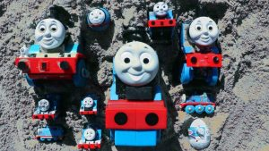 Thomas and Friends Trains Surprise toy in the Sand - Learn Numbers with Box Full Of Toys for Kids