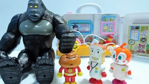 Big Gorilla crushed Anpanman's face!Go to the hospital!for kids!yupyon