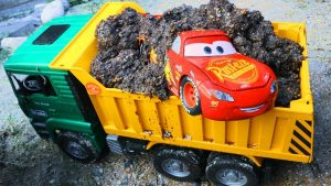 Learn Colors & Numbers with Disney Cars McQueen Thomas and Dump Truck Tayo Garage for Kids