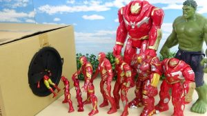 Marvel Avengers Super Heroes Iron Man, Hulkbuster Fight against Hulk Take out from Takilong's Box