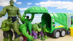 Various Size of Hulk Go into the Garbage Truck Marvel Toy ハルクがゴミ収集車にすぽすぽ突入