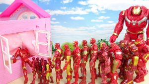 Marvel Avengers Iron Man and Hulkbuster Walk into the Doll House Through in the Window