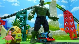 Thomas clashes Hulk,Sumo wrestler and knuckle Kong and runs away!for kids!yupyon