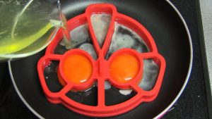 Ultraman Fried Egg Mold Kitchen Gadget