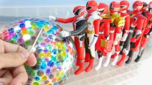 Sting Orbeez Water Balloon Bomb!! Red Power Rangers Toy Play